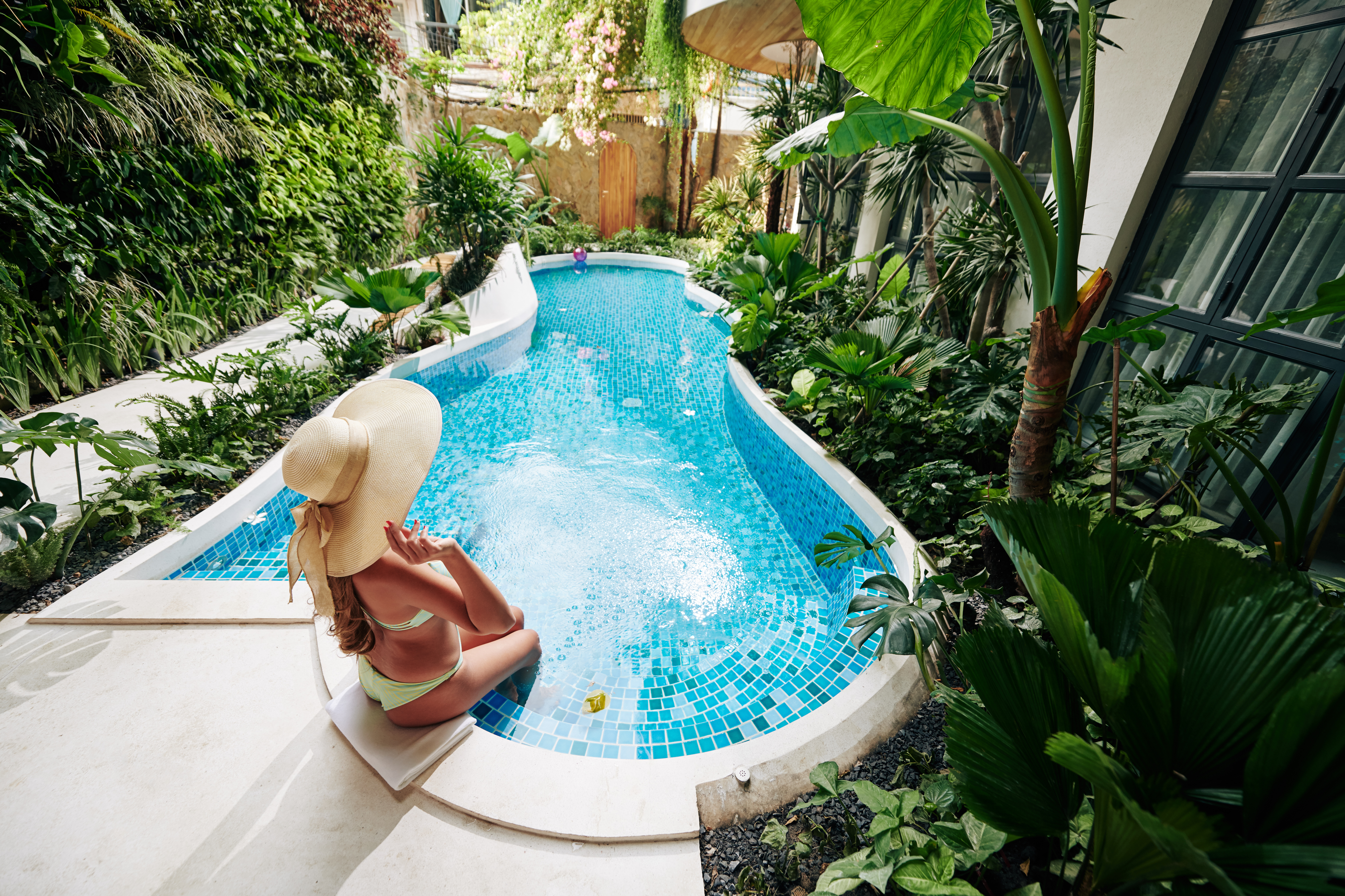 Want a Pool in Your Backyard? Here are Some Things to Consider